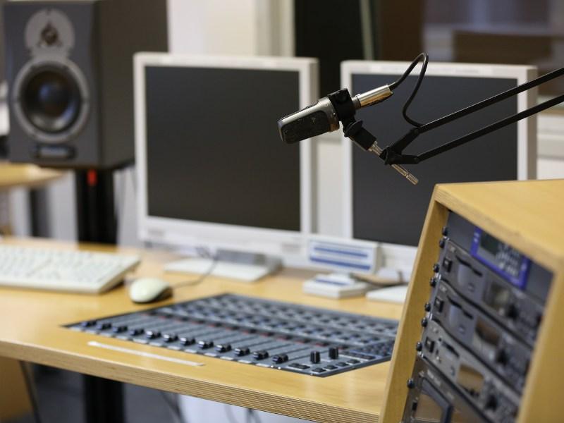 Schnitt- und Tonlabor im Studiengang Onlinekommunikation am Mediencampus der Hochschule Darmstadt.