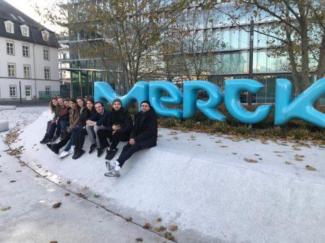 """Eine Nachbarschaftsseite für Merck:  """"Hier sind wir DAheim"""""""